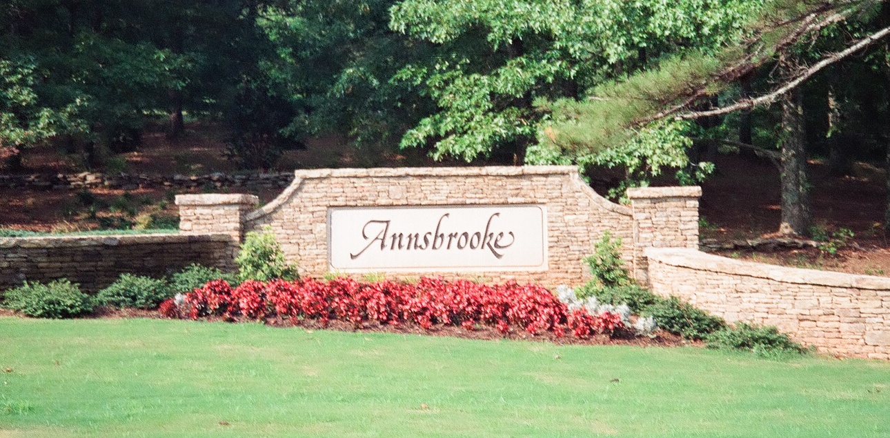 annsbrooke sign new cropped